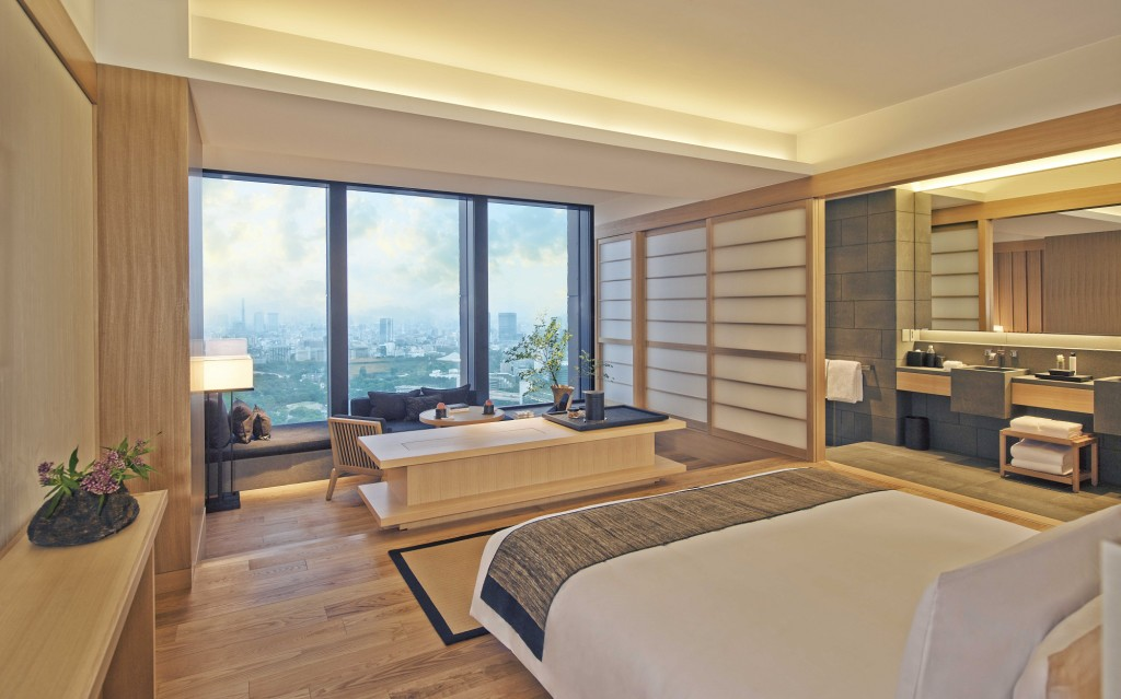 FOR TRAVEL -- Aman Tokyo -- Deluxe Room Interior (CREDIT: Courtesy of Aman Resorts)
